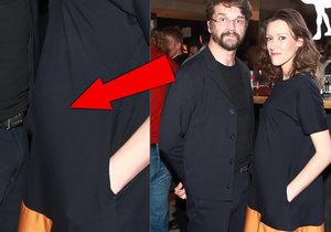 Manželka Dana Bárty Alžběta Plívová je těhotná.