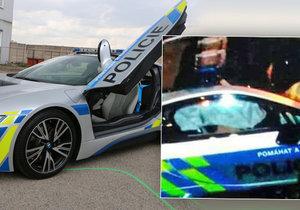 Policie po 14 dnech nabourala zapůjčené BMW i8. Řidič dostal infarkt.