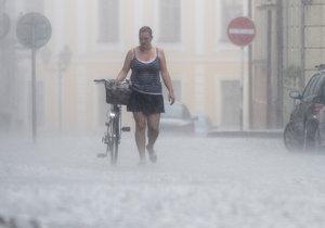 Do Česka opět přijdou přívalové deště