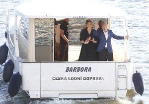 Gott s manželkou Ivanou přijeli lodí.