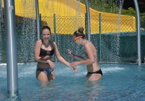 ONLINE: Česko sevřelo vedro, padne rekord 40,4 °C? Pozor na zátěž a hodně pijte