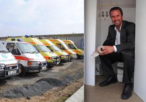 Nečesaný končí jako ředitel nemocnice v Liberci.