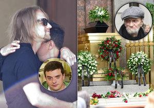 Pohřeb režiséra Drhy jeho partner Filip Rajmont proplakal.