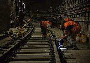Metro na lince C už jezdí v plné trase. Výluka skončila o den dříve kvůli večernímu koncertu Eda Sheerana v Letňanech. (ilustrační foto)