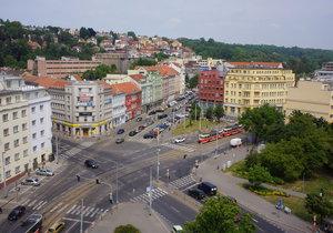 Radnice vybízí své obyvatele, aby své blízké, kteří si to zaslouží, nominovali na osobnost Prahy 9. (ilustrační foto)
