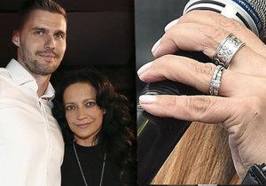 Na prsteníčku Lucky Bílé se leskne šperk. Chystá zpěvačka svatbu?