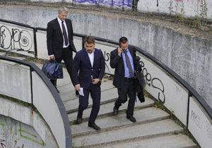 Dalíkovi u soudu zpřísnili trest na pět let. Po rozsudku mlčky utekl.