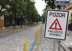 V Praze 6 probíhá několik rekonstrukcí: Dotýkají se řidičů ve Střešovicích, Veleslavíně i Dejvicích