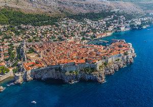 Moře u chorvatského Dubrovníku zamořily fekálie.