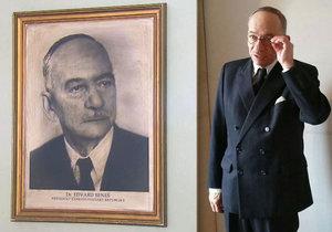Jaroslav Kubera jako prezident Edvard Beneš. Senátor za ODS si zahrál ve filmu Ondřeje Trojana Toman.