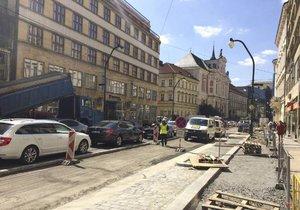 V centru Prahy kvůli opravám zkolabovala doprava.
