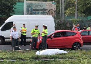 Náklaďák přejel na Přerovsku muže: Ležel ve vozovce, řidič se mu nestihl vyhnout