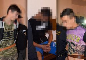 Tři chovanci (16 až 17) z terapeutického zařízení Medvědí Kámen se pokusili zavraždit vychovatele, chtěli utéci. Soud nyní jedná o jejich vazbě.