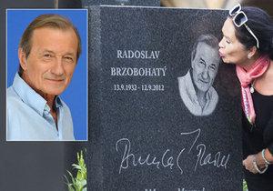 Vdova po Brzobohatém (†79) opět v slzách: Zemřel náhradní táta jejich syna!