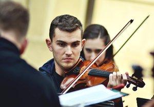 Adventní koncerty v Praze 2: Zahraje smyčcový orchestr, zazpívají děti a zahrají varhany