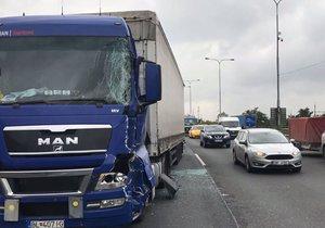 Dopravní nehoda komplikovala situaci také na Jižní spojce.