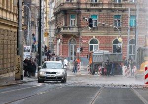 Víkendové komplikace s tramvajemi na Albertově: Čtyři linky pojedou jinak
