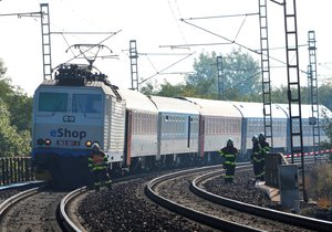 Vlak srazil v Blížejově člověka. Ilustrační foto