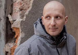 Po narození dcery Mirkovi zjistili rakovinu, ale pojišťovna odmítla platit léčbu.