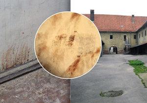 Cákance krvě vězeňkyň gestapa z brněnského Cejlu. Na zdi jedné z cel bývalé káznice vydržely od konce druhé světové války plných 72 let.