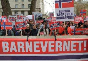 Protesty proti norské sociálce Barnevernet