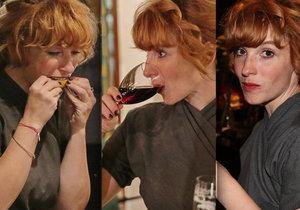 Vica Kerekes na premiéře filmu Milada popíjela tequilu.