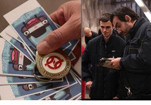 Revizoři učí cestující, že za jízdu MHD se musí platit. Na Florenci kontrolovali cestující ve velkém.