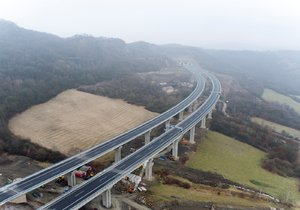 Cesta z Brna do Vídně potrvá kratší dobu, Rakušané otevřeli 25 km nové dálnice