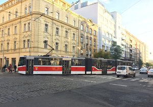 Mezi Holešovicemi a Libní se o víkendu opraví tramvajová trať. Jak to pojede?
