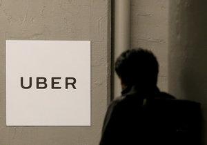 Hackeři loni v říjnu ukradli alternativní taxislužbě Uber data 50 milionů zákazníků a sedmi milionů řidičů