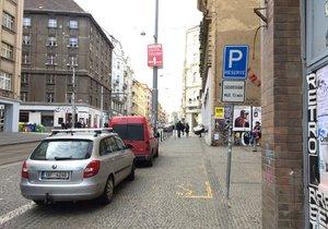 Praha 7 má dlouhodobě problémy s parkováním.