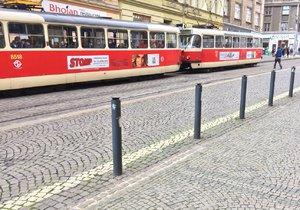 V Holešovicích je omezená tramvajová doprava kvůli poškození troleje.