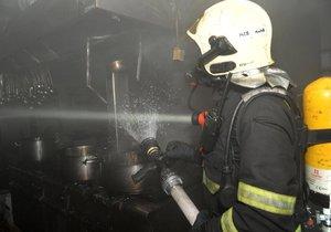 Požár v restauraci způsobila nedbalost, škoda se vyšplhala na 300 000 korun.