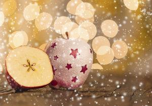 Jablko k Vánocům neoddělitelně patří.