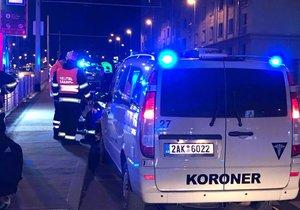 Tragický začátek léta: V Praze 6 se v noci střetla motorka s vozem, jeden z cestujících nepřežil