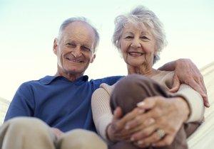 Dobrý zrak bývá prevencí nejrůznějších úrazů. Kvůli zhoršenému a rozmazanému vidění jako přes zamlženou clonu, které je běžným příznakem šedého zákalu, ztrácejí starší lidé orientaci, zamotávají se nebo padají.
