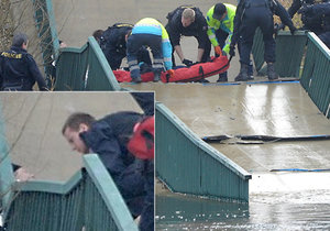 Při pádu trojské lávky se zranil i úředník z Prahy 6 Petr Malotin.