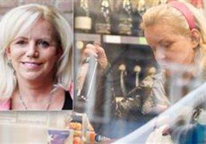 Hana Krampolová nakupuje alkohol.