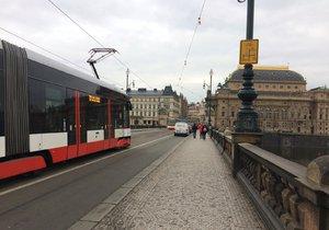 Mezi Národní třídou a Andělem nejezdily tramvaje.