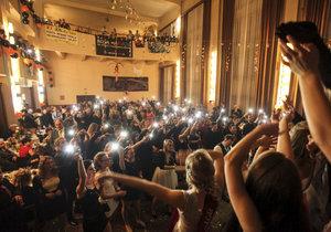 Plesová sezona je za dveřmi. V Modřanech ji zahájí tradičním farním plesem