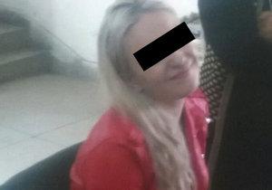 Tereza (21) vezla drogy, teď je za mřížemi: Na Pákistánce se směje?!