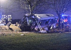 U nehody autobusu je několik mrtvých.