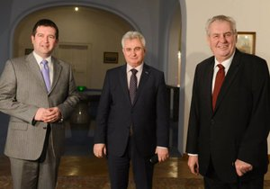 Prezident Miloš Zeman svolal koordinační schůzku s vrcholnými ústavními činiteli kvůli zahraniční politice.