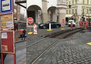 Výluka v centru Prahy znepříjemnila cestování Pražanům i turistům.
