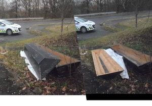 Kuriózní nález v Modřanech: Na ulici ležela rakev, nebožtík v ní ale chyběl