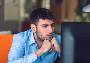 V Česku je nedostatek IT odborníků. Podle dat Českého statistického úřadu má problémy s jejich sháněním skoro třetina firem.