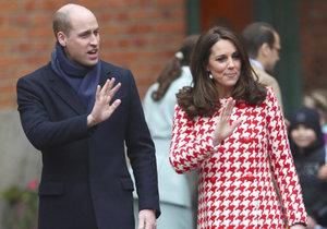 ŽIVĚ: Vévodkyně Kate právě rodí, Británie očekává královského potomka!