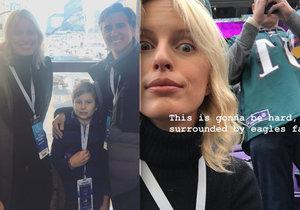 Karolína Kurková byla s rodinou na Super Bowlu.