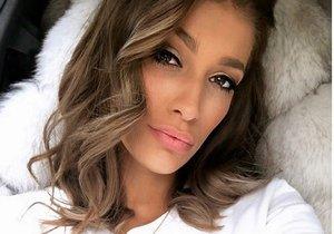 Jasmina Alagič je velmi krásná a zřejmě i šikovná v moderování.