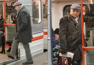 Ivan Mládek cestoval metrem, nikdo ho ale nepustil sednout.